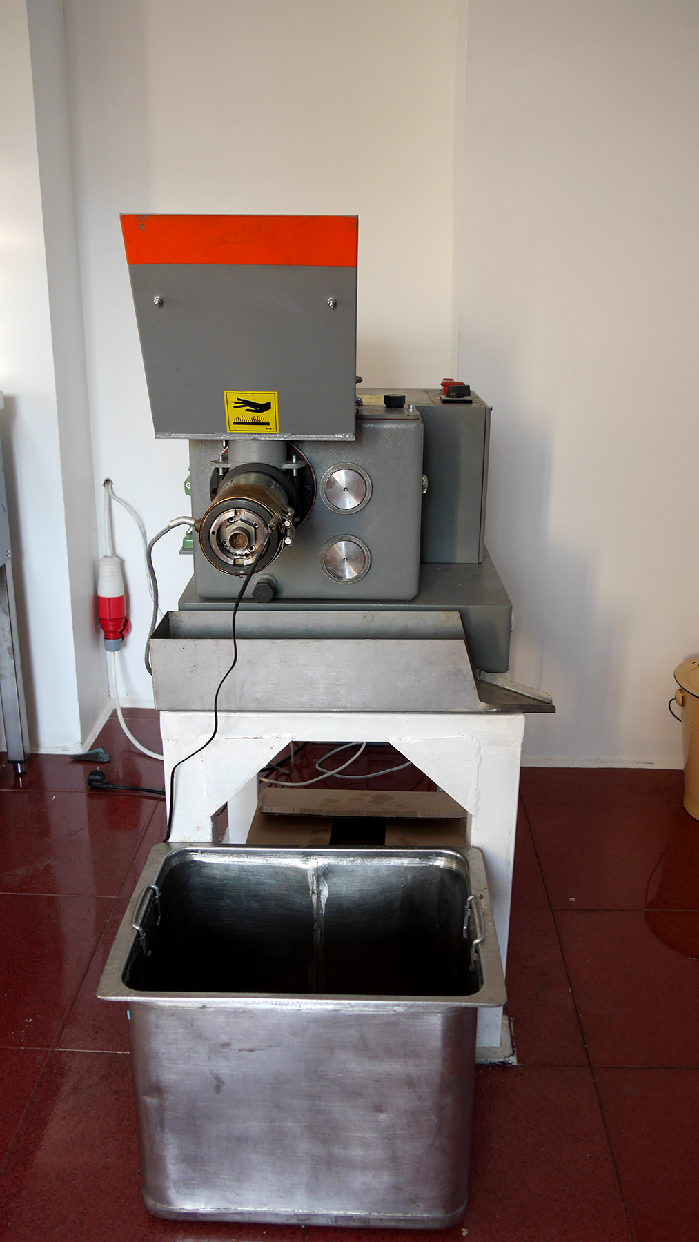 The new machine, which is able to make the cold pressed oil