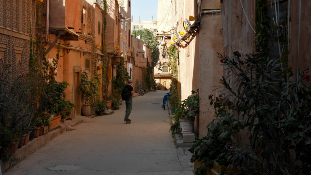There was plenty of space to roll around on the peaceful Old Town alleys