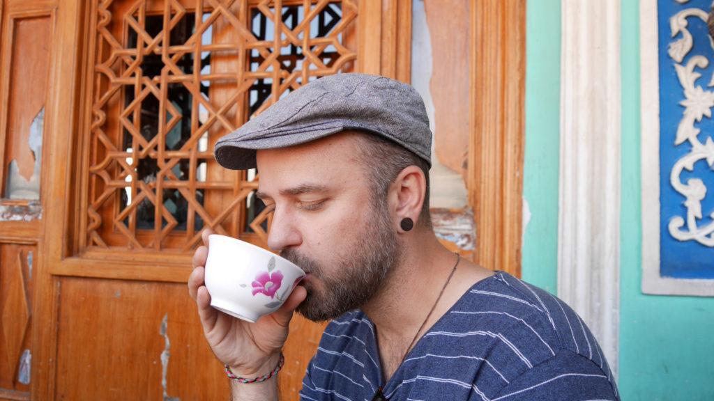 Seri drinking healthy tea
