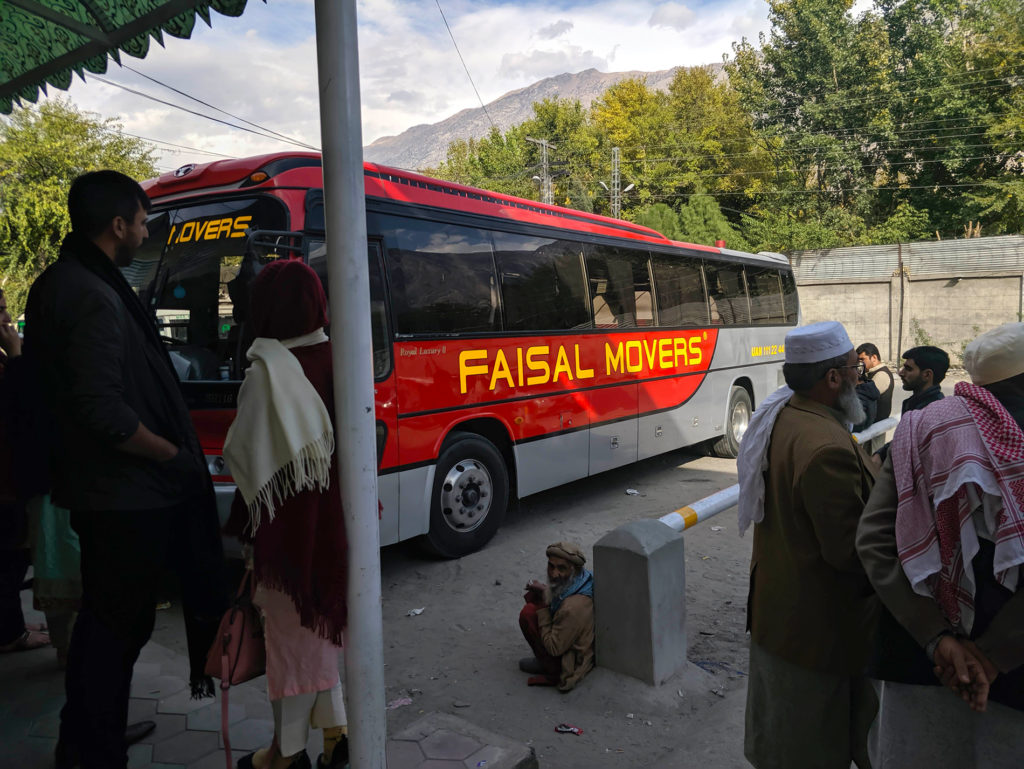 Faisal Movers -bussi