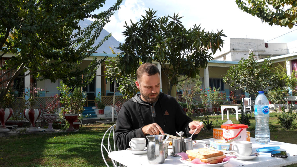Breakfast in Madina 2's garden