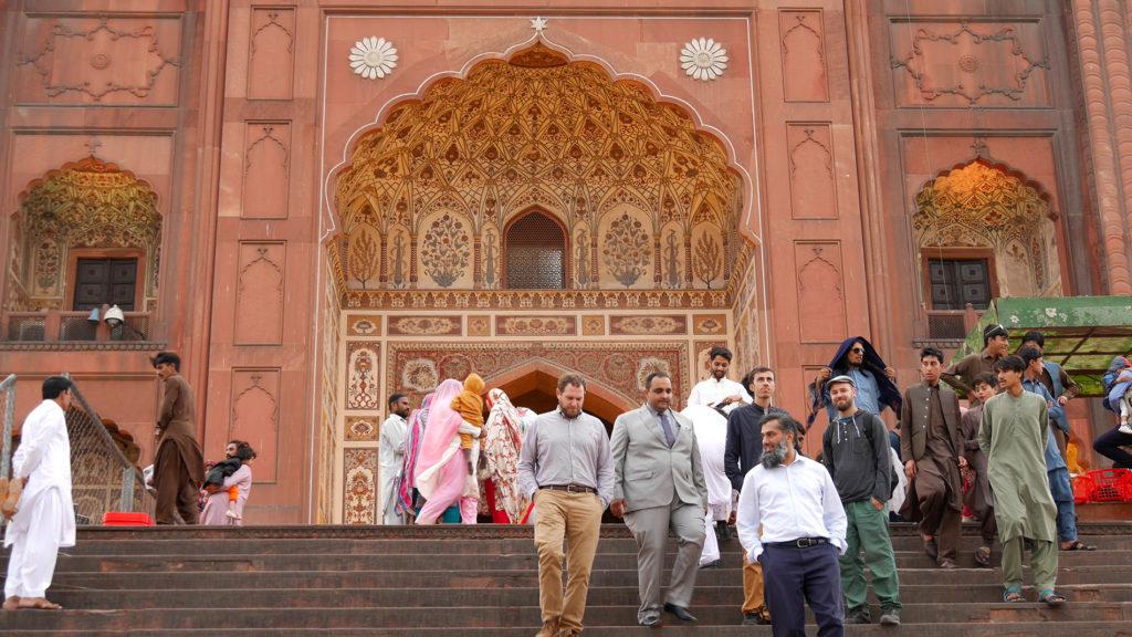 Badshahi-moskeijan sisäänkäynti