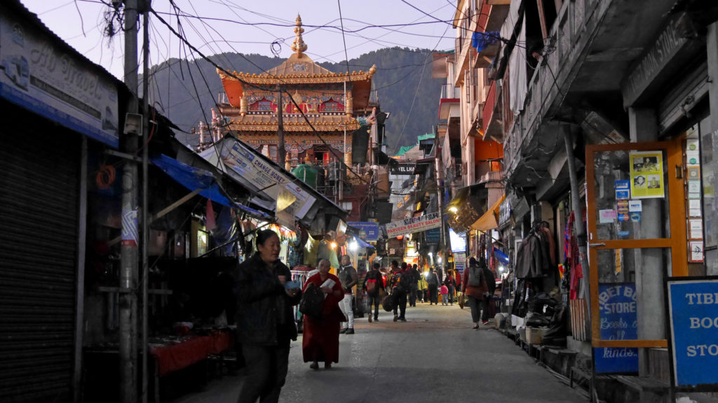 This is how it usually looks like at the streets of Mcleod Ganj...