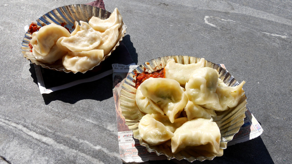 One portion of momos costs about 0,5€
