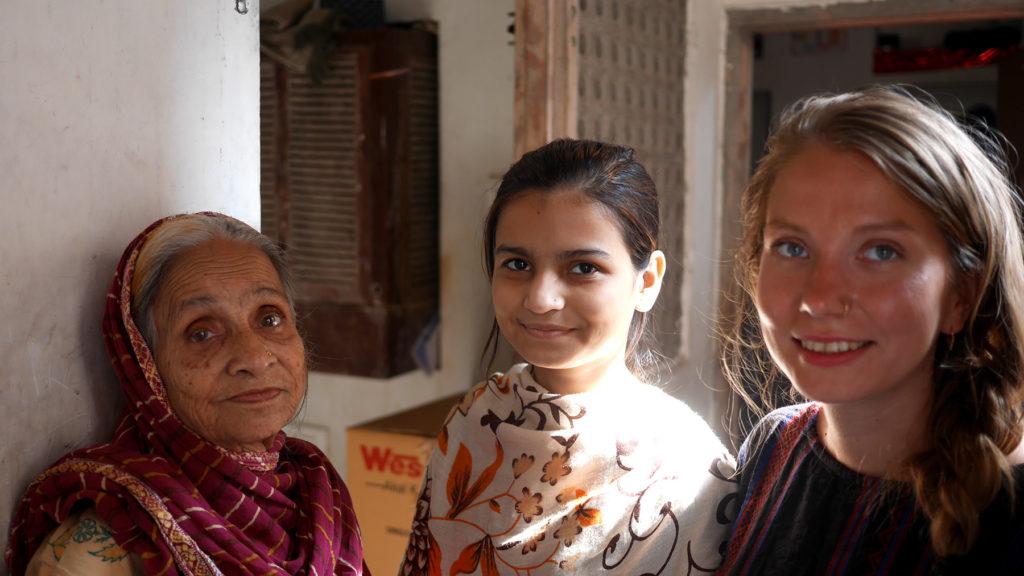Wir trafen auch die hübschen Frauen des Hauses