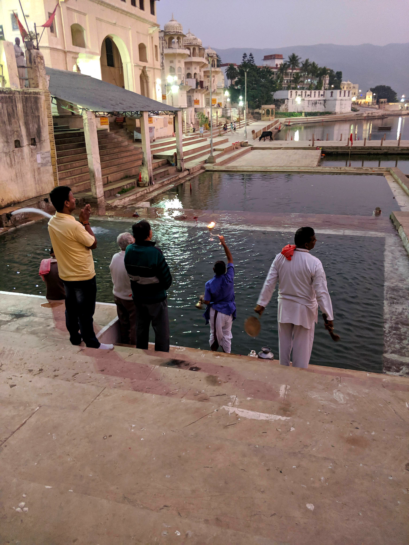 Aarti ritual at Varah Ghat