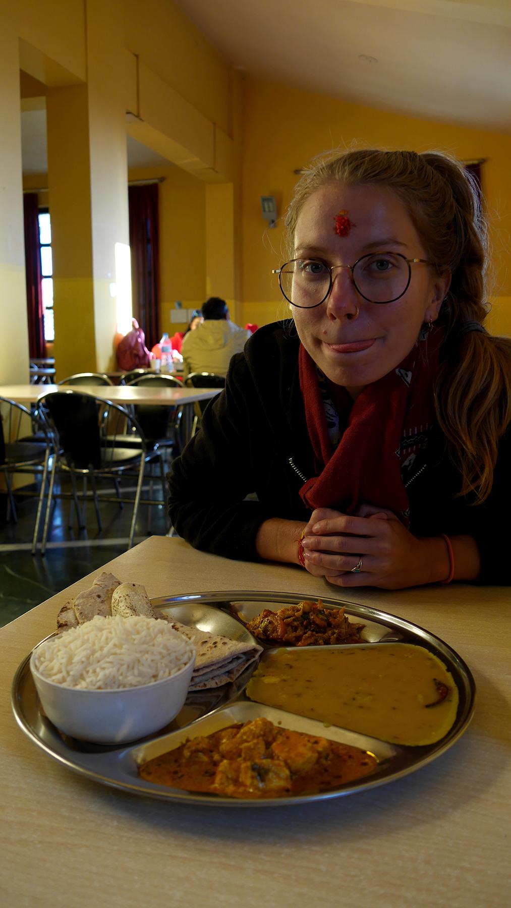 Uudenvuoden lounas Char Dhamin juurella