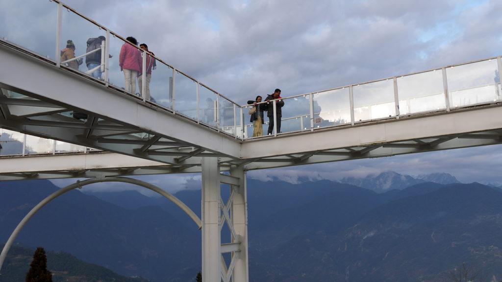 Der Sky Walk nicht hoch - Einige Leute schienen dennoch aufgeregt zu sein