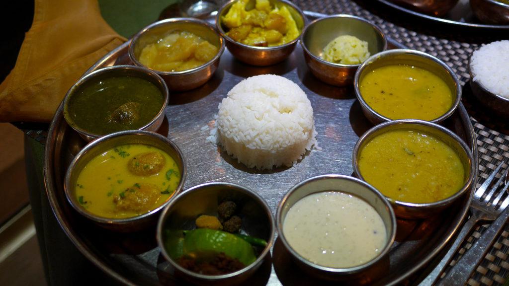 Vegetarisches Assam-Thali