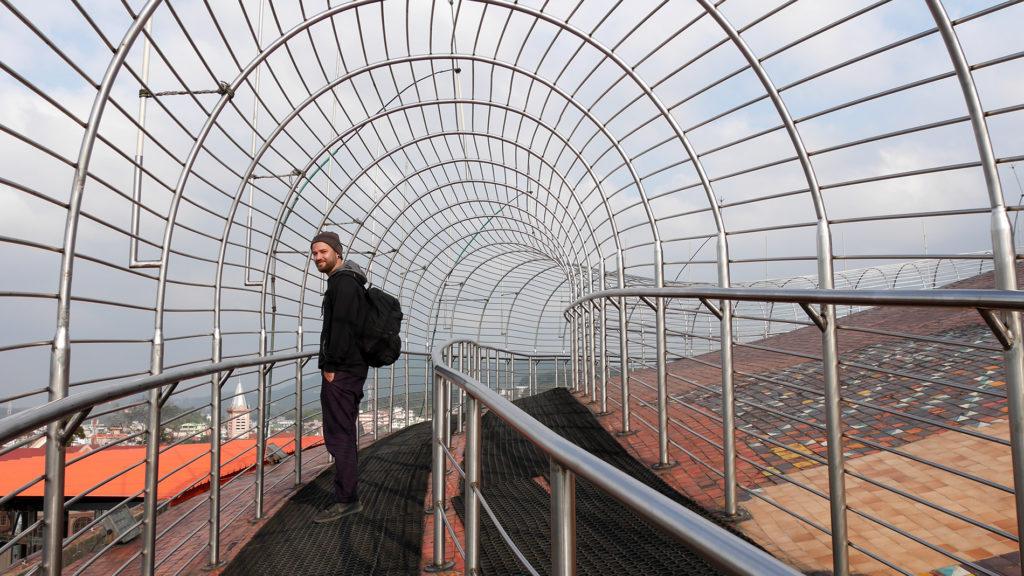Am Dach des Don-Bosco-Gebäudes wartet diese Konstruktion und einige großartige Ausblicke