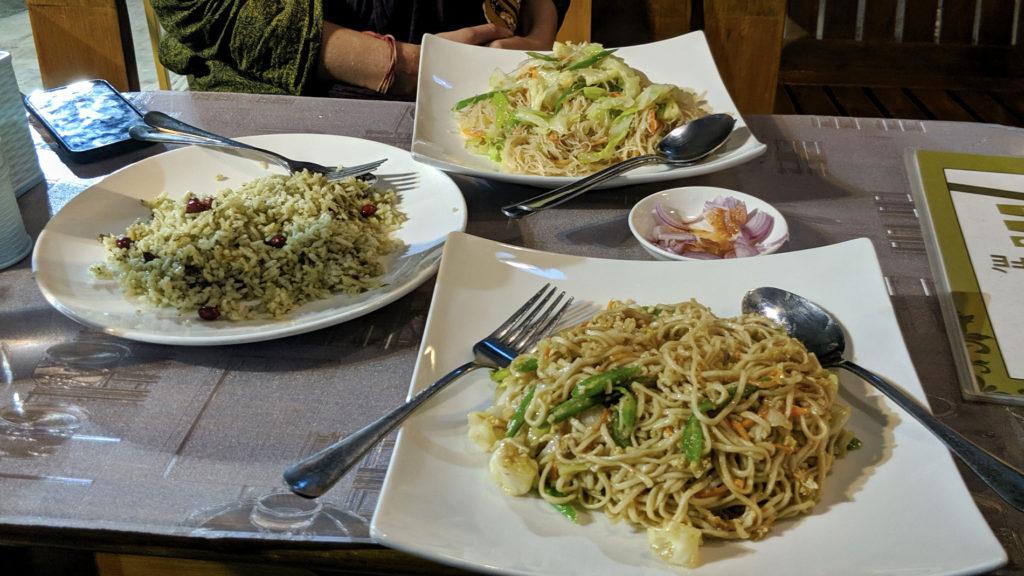 Abendessen im Mandalay Café