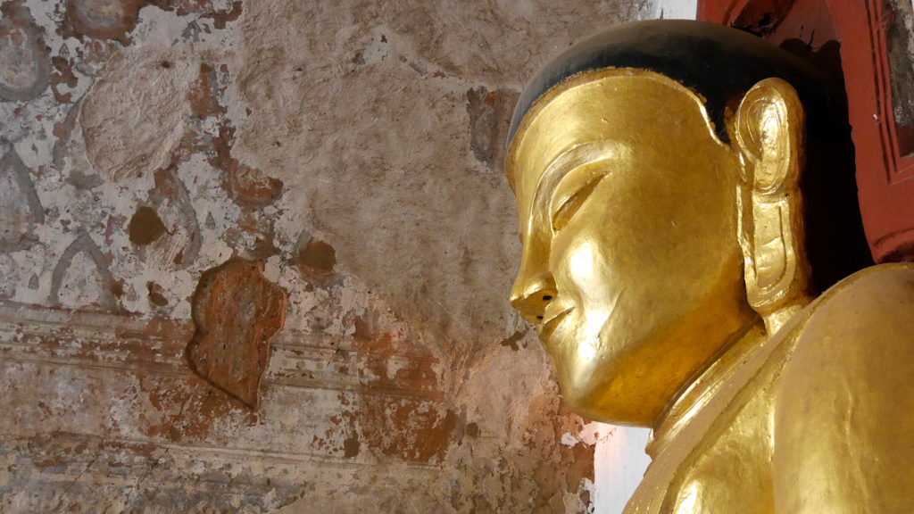 We saw countless Buddha statues during our visit in Bagan